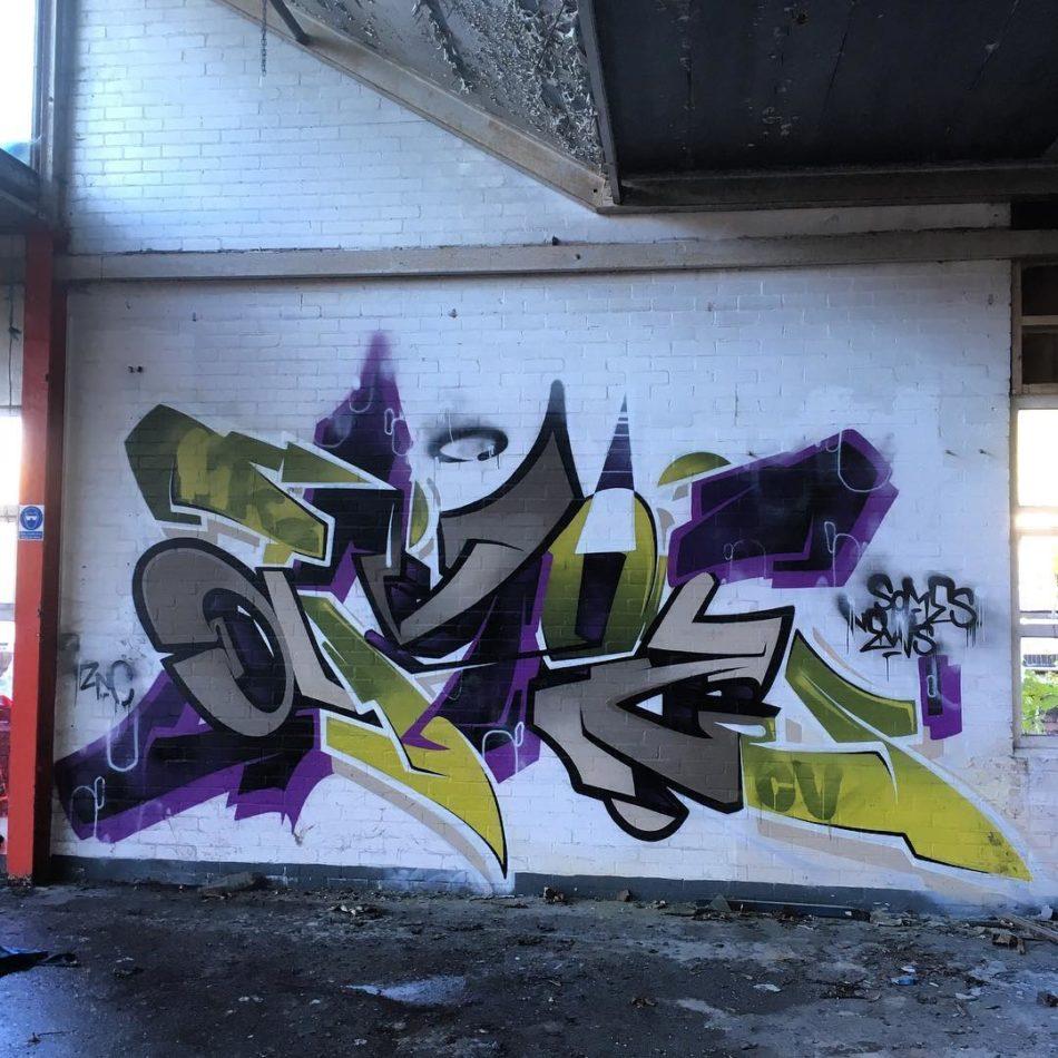 karm-amoe-graffiti-art-mural-cardiff